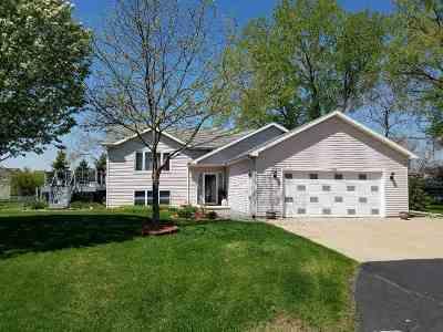 Oshkosh Single Family Home Active-Offer No Bump: 3393 Harbor Bay