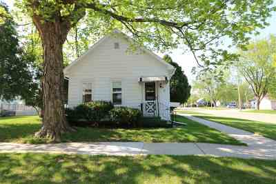 Kaukauna Single Family Home Active-Offer No Bump: 527 W 6th