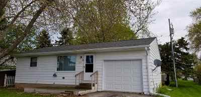 Luxemburg Single Family Home Active-No Offer: 320 Center