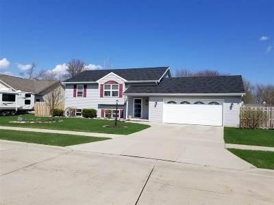 Kaukauna Single Family Home Active-Offer No Bump: 641 Benedict