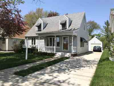 Appleton Single Family Home Active-No Offer: 1418 W Spencer