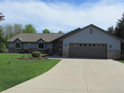 Appleton Single Family Home Active-No Offer: 4631 Grand Meadows