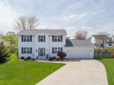 Menasha Single Family Home Active-Offer No Bump: 2142 Prairie View