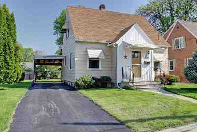 Menasha Single Family Home Active-Offer No Bump-Show: 236 Frederick
