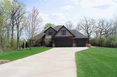 Neenah Single Family Home Active-Offer No Bump: 1356 Terra Cotta