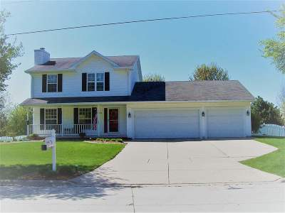Green Bay Single Family Home Active-No Offer: 3040 Brook Park