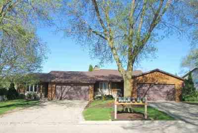 Green Bay Multi Family Home Active-Offer No Bump: 915 Green Ridge
