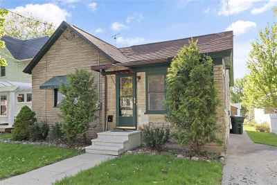 Kaukauna Single Family Home Active-No Offer: 605 Desnoyer