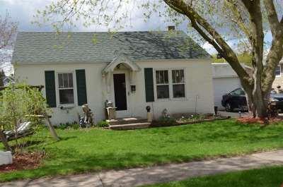Green Bay Single Family Home Active-No Offer: 1368 Vanderbraak