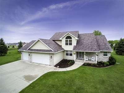 Oshkosh Single Family Home Active-Offer No Bump-Show: 4073 Sand Pit
