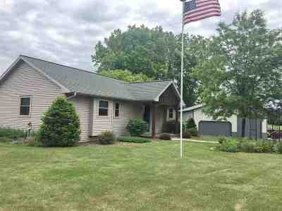 Oconto Single Family Home Active-No Offer: 4502 W Rocky Run