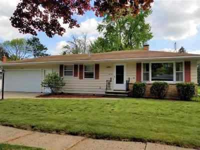 Green Bay Single Family Home Active-No Offer: 1679 Westfield