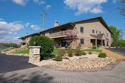 Appleton WI Condo/Townhouse Active-No Offer: $182,444