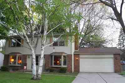 Green Bay Single Family Home Active-No Offer: 408 Brookridge