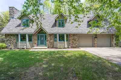 Howard, Suamico Single Family Home Active-No Offer: 2140 Carleen