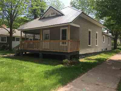 Shawano Single Family Home Active-Offer No Bump: 318 W Green Bay