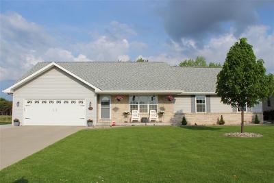 Menasha Single Family Home Active-Offer No Bump: 1306 Fieldview