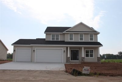 Menasha Single Family Home Active-No Offer: W6035 Zach