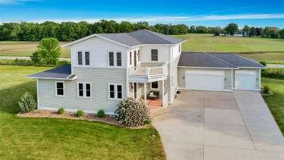 Oshkosh Single Family Home Active-Offer No Bump: 4660 Stonefield