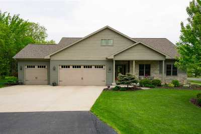 Oshkosh Single Family Home Active-No Offer: 4329 Bellhaven
