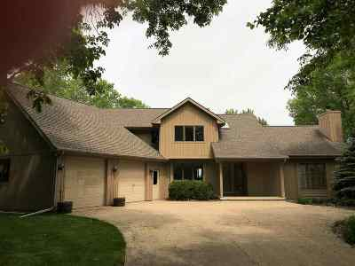 Neenah Single Family Home Active-Offer No Bump: 1015 N Lake