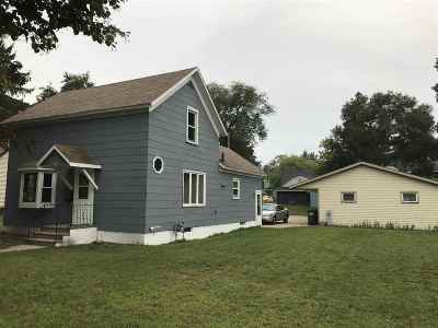 Shawano Single Family Home Active-No Offer: 717 S Union