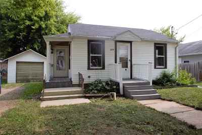 Little Chute Single Family Home Active-No Offer: 214 Franklin