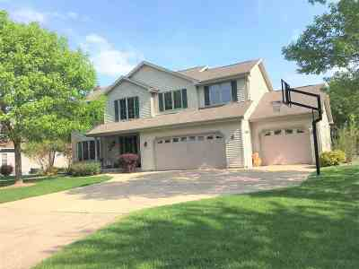 Menasha Single Family Home Active-Offer No Bump: 2150 Cottonwood