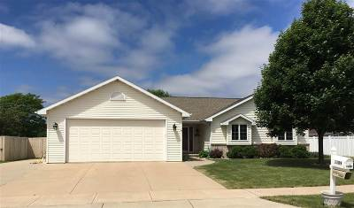 Kaukauna Single Family Home Active-Offer No Bump: 1109 Kristy
