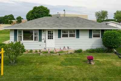 Kaukauna Single Family Home Active-Offer No Bump: 649 Fern