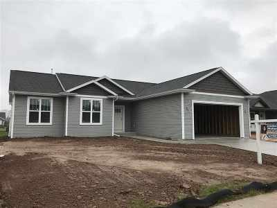 Menasha Single Family Home Active-Offer No Bump: W6302 Champion