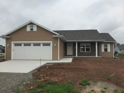 Menasha Single Family Home Active-Offer No Bump: N9062 Lilac