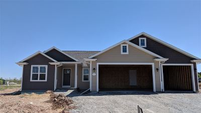 Menasha Single Family Home Active-Offer No Bump: N9077 Lilac