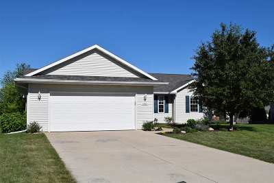 Neenah Single Family Home Active-Offer No Bump: 1552 Hillsdale