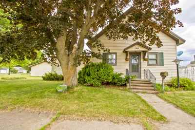 Oconto Single Family Home Active-No Offer: 120 5th