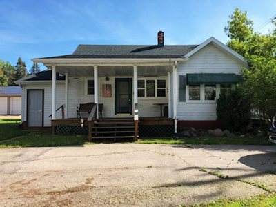 Single Family Home Active-No Offer: W2250 Hwy 22