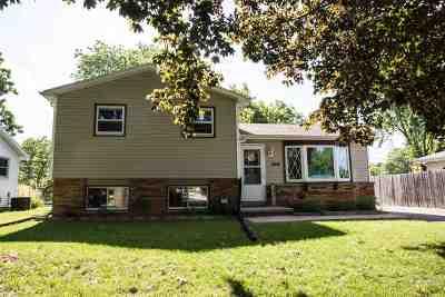 Menasha Single Family Home Active-Offer No Bump: 1144 Mayer