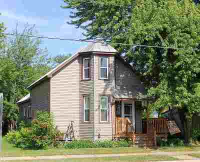 Oconto Single Family Home Active-No Offer: 312 Park