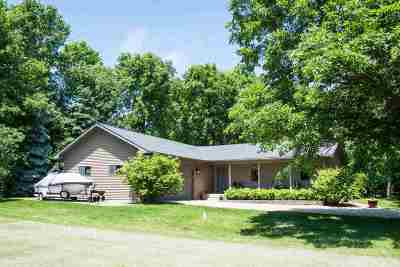 Neenah Single Family Home Active-Offer No Bump-Show: 8563 Winncrest