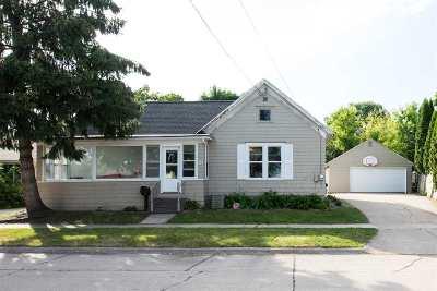 Kaukauna Single Family Home Active-Offer No Bump: 814 Blackwell