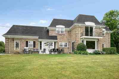 De Pere Single Family Home Active-Offer No Bump: 5776 Ledge Crest