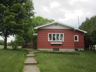 Marinette Single Family Home Active-Offer No Bump: 2813 Shore