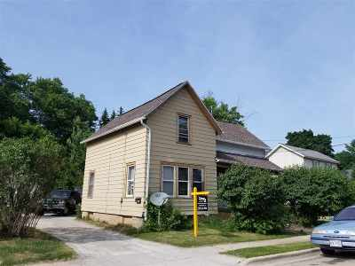 Neenah Multi Family Home Active-No Offer: 307 Monroe