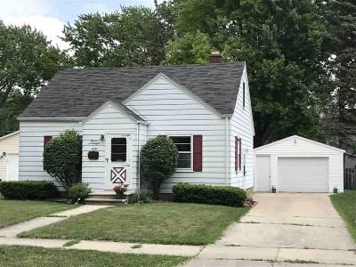 Green Bay Single Family Home Active-No Offer: 1128 Lark
