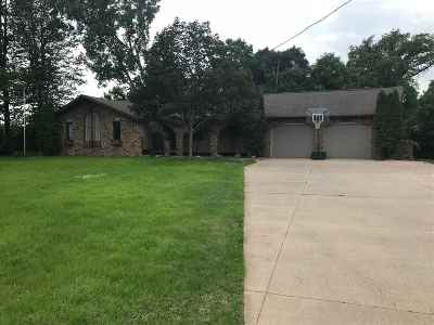 Combined Locks Single Family Home Active-Offer No Bump: 104 Edgewood