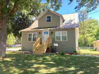 Shawano Single Family Home Active-No Offer: 1104 S River