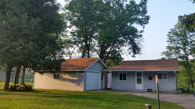 Single Family Home Active-No Offer: N5910 Hwy 180