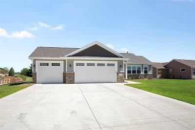 Neenah Single Family Home Active-No Offer: 1259 Lori