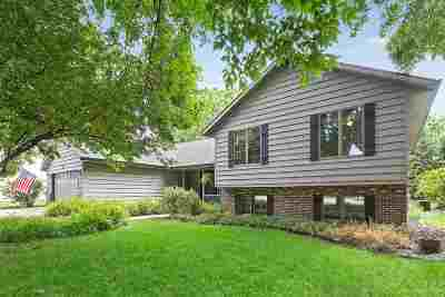 Neenah Single Family Home Active-Offer No Bump: 1247 Woodgate