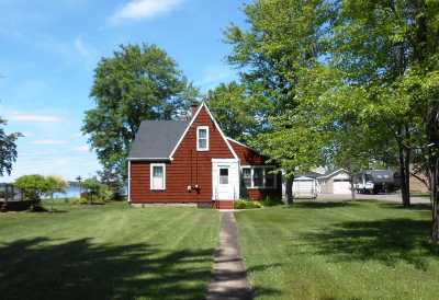 Shawano County Single Family Home Active-No Offer: W4878 Swan Acre